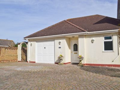 Photo for 1 bedroom accommodation in Hamworthy, near Poole