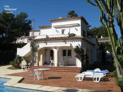 Photo for 130m² villa with 3 bedrooms, 2 bathrooms, 1000m² garden, carport, pool, sea view