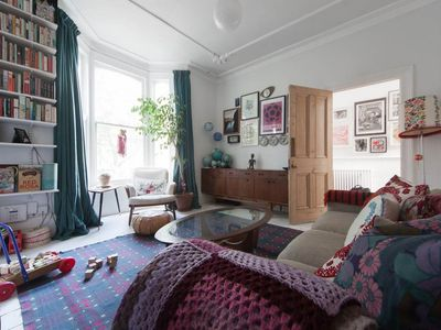 Photo for 4BR House Vacation Rental in Londres