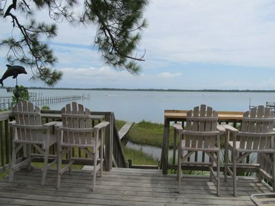 Photo for Tranquil Bayfront Getaway
