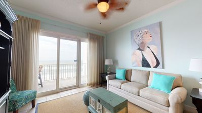 Photo for Luxurious Gulf Front Unit with Stunning Views, Sleeps 6