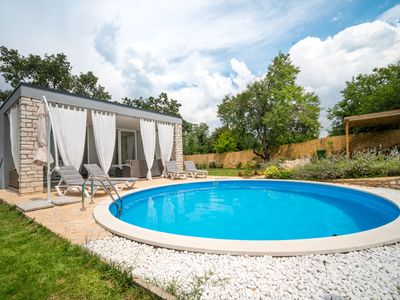 Photo for This 1-bedroom villa for up to 4 guests is located in Buje and has a private swimming pool, air-cond
