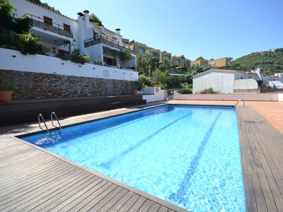 Photo for Family apartment with communal pool