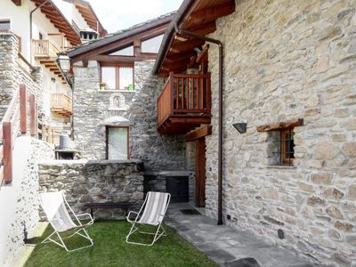Photo for Apartment Chalet Marta (CMU400) in Courmayeur - 5 persons, 2 bedrooms