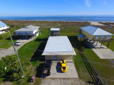 Photo for Tarpon Lounger 4 bedroom on beach in Grand Isle on ground level