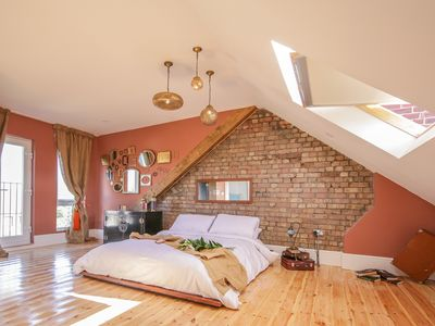 Photo for NEW: 4 bed family home - a MUST see! FREE BREAKFAST and FREE PARKING