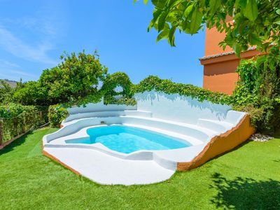 Photo for Nice apt with pool access and Wifi
