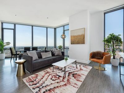 Photo for Ultra Lux 3BR in South Loop w/ Pool & Spa by Domio