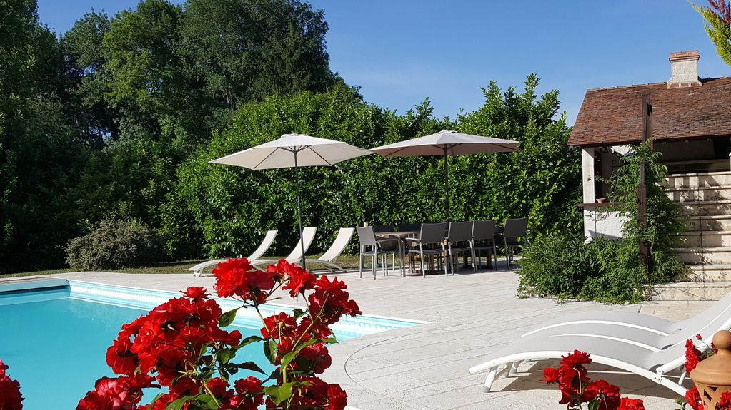 Charm Near River Swimming Pool Jacuzzi Gym 12 To 15 People Cellettes