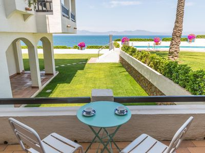 Photo for Diana: Apartment with communal pool, garden and sea views