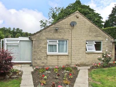 Photo for MATLOCK GREEN, pet friendly, with a garden in Matlock, Ref 5689
