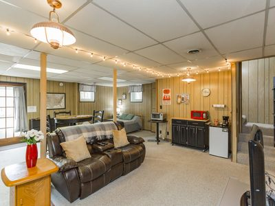 Photo for Cozy & Quiet Guest Suite - 10 min to Airport & 15 min to Downtown!