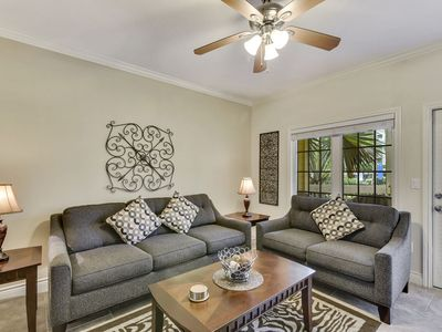 Dawn 713 - Bayrunner - large 1/1, private balcony with pool view!