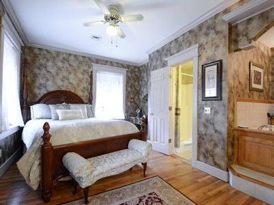 Photo for The Brownstone Spring Suite, Double Spa Tub, Two Room Suite, WiFi Streaming, High Ceilings, Trolley