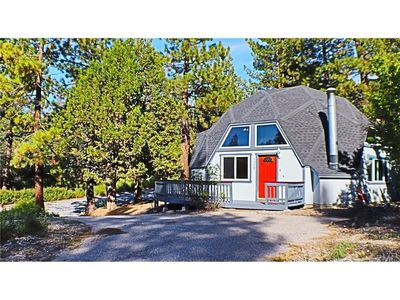 Photo for Timber Dome House-Close to Ski and Golf in the Moonridge area.