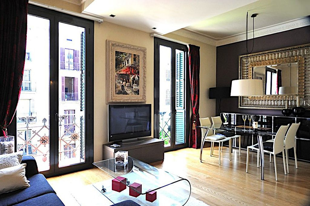 Comfortable 2 Bedroom Art Deco Apartment In The City Center B200