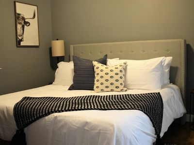 Photo for ✺ Stylish condo | Downtown | King Bed | Fast Wi-Fi✺