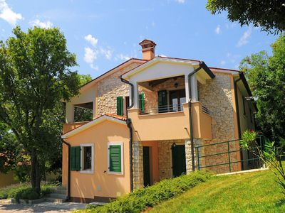 Photo for Holiday house Koromacno for 10 persons with 5 bedrooms - Villa