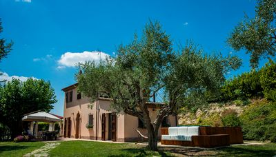 Photo for Independent house with SPA pool in the heart of the Marche, just a step away from the sea