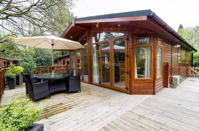 Lazy Days Lodge  huge 2 bed 2 bath luxururious furniture in fabulous setting