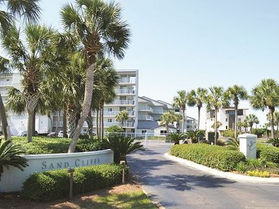 Photo for Awesome 2BR Gulf-front Unit! Pool/WiFi/Open Courtyard/Quick Walk to Beach!!