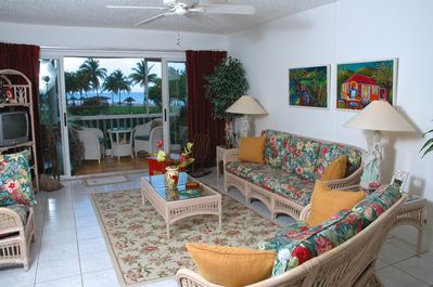 Living Room And Porch With View Of The Pool And Ocean