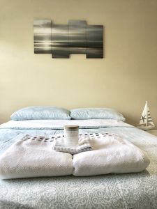 Photo for Serene bedroom with private bathroom ideal for 2