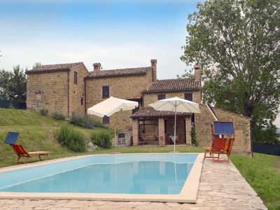 Photo for Villa with private pool and stunnin views in front of Sibillini Mountains