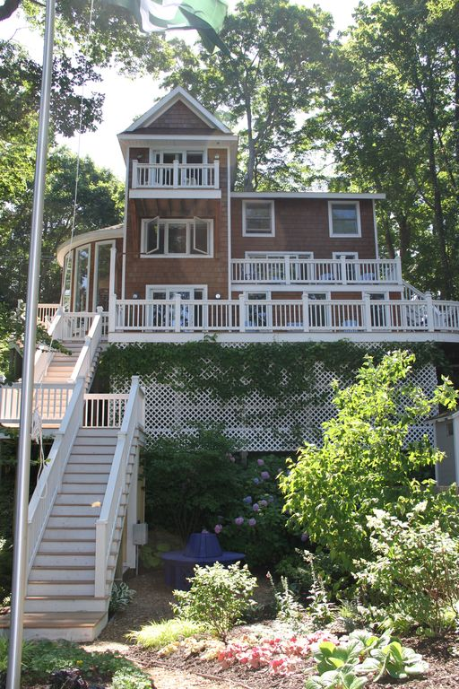 Gem directly on lake michigan the pink ho homeaway for 10 bedroom vacation rentals in michigan