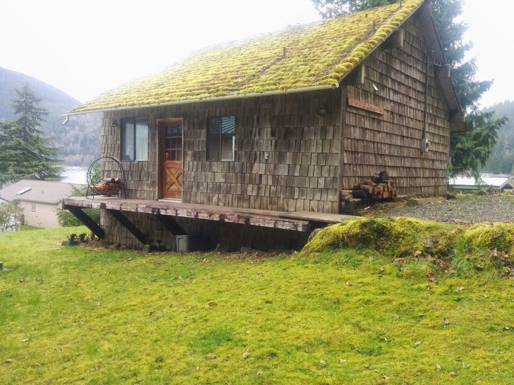 Rustic olympic lake cabin hikers paradise joyce for Cabin rentals olympic national forest