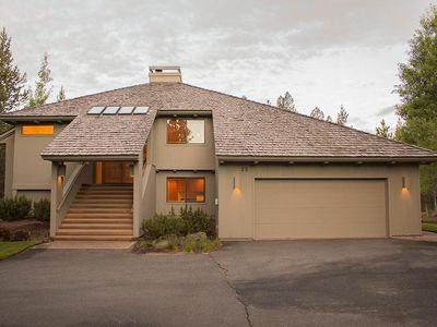 Photo for Families or Groups- Fireplace- Deck- BBQ - Wifi - Steps from Big Deschutes River
