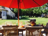 Beautiful large and quiet domaine to have a perfect holiday!