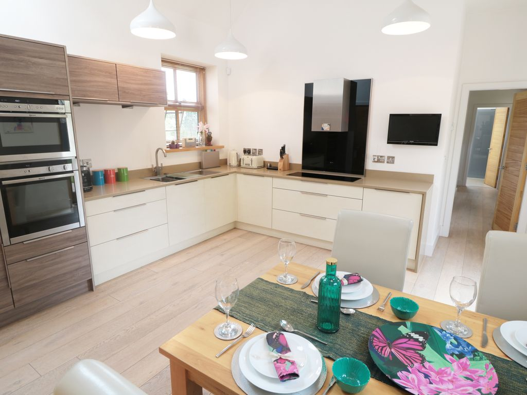 Property Image7 GREY ROOFS Pet Friendly With Open Fire In Ashbourne