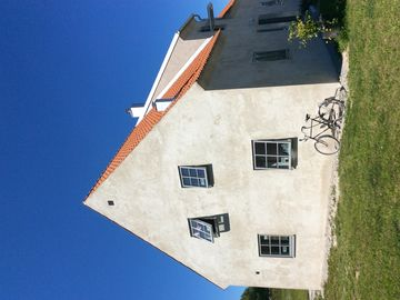 Traditional Gotland stone house with sea views in Fårösund, 150m from the seafront
