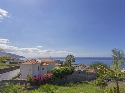 Photo for Cozy house in Funchal with garden