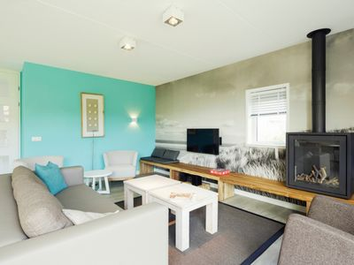 Photo for Luxury 8-person bungalow in the holiday park Landal Sluftervallei - on the coast/the beach