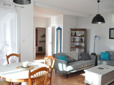 Photo for Large apartment T3 with exterior, sea view, 40 meters from the beach