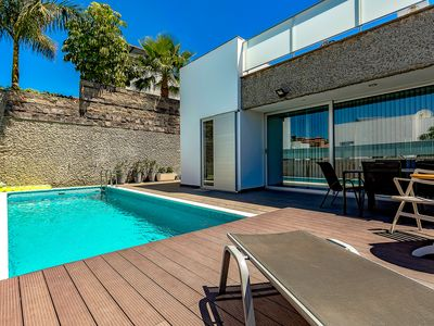 Photo for Modern and pacious 6 bedroom Villa With Private Pool