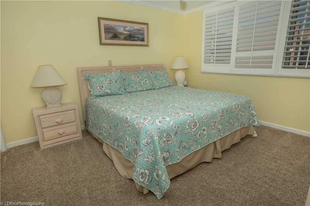 Islander 611: 2 BR / 2 BA condo in Destin, Sleeps 7