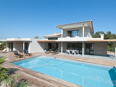 Photo for Villa recent, upscale, quiet and without vis-à-vis for 10 people.