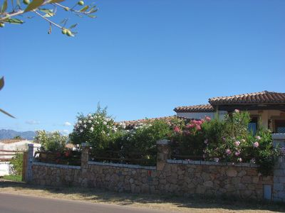 Photo for Semi-basement apartment in villa, at 450 meters from the crystalline beaches.