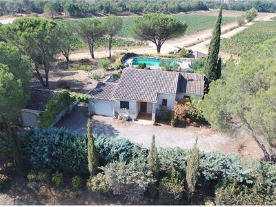 Photo for traditional provencal villa with pool 8 X 4