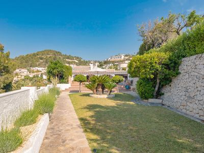 Photo for Fantastic villa with a great view, covered terrace and private swimming pool