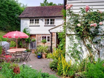 Photo for Vacation home Motts Mill in Royal Tunbridge Wells - 5 persons, 3 bedrooms