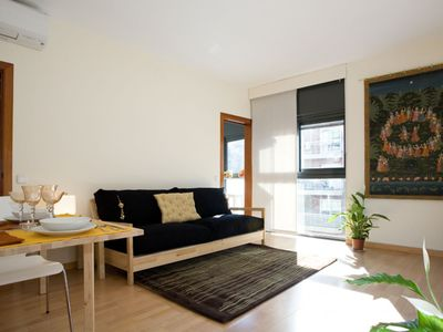 Photo for Tetuan Tres apartment in Eixample Dreta with WiFi, integrated air conditioning (hot / cold) & lift.