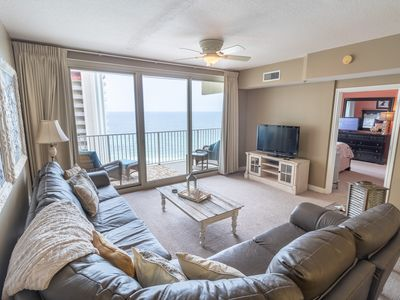 Photo for 17th Floor 1.5 Bedroom 2 Bath, Sleeps 6! Reclining Leather Sectional!