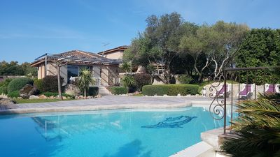 Photo for Luxury villa ideally located near downtown, beaches and mountains