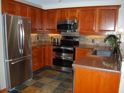 Photo for Fresh Remodel, Largest 1 Br Condo With Den, Quiet Top Floor End Unit, Sleeps 6