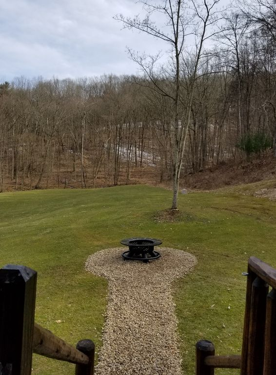 Log Cabin In The Heart Of Mohican State Park. Premier Location!! Large Lawn!