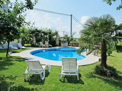 Photo for Lovely apartment for 2 people with pool, WIFI, TV, pets allowed and parking